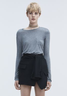 CROPPED LONG SLEEVE TEE WITH POCKET