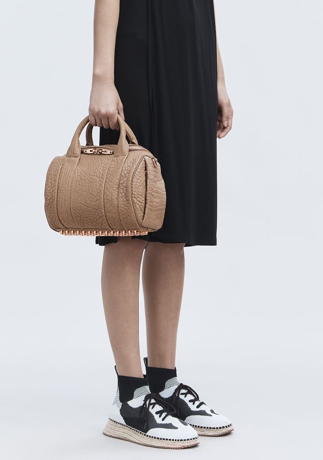 ALEXANDER WANG ROCKIE IN PEBBLED LATTE WITH ROSE GOLD Borse a spalla Adult 12_n_r