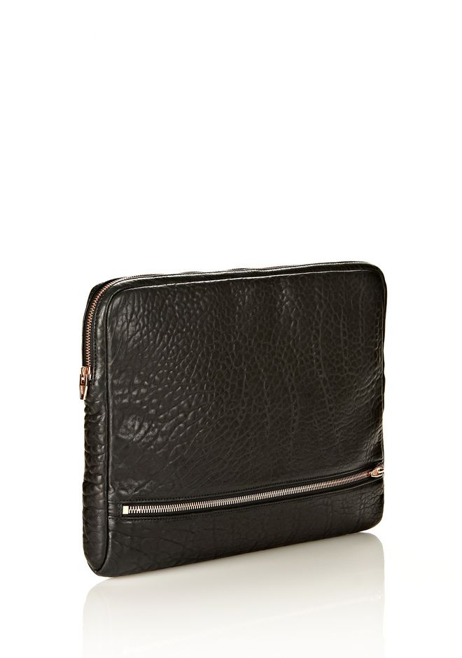 ALEXANDER WANG FUMO LAPTOP CASE IN BLACK PEBBLE LEATHER WITH ROSEGOLD TECH Adult 12_n_r